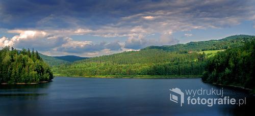 Black Lake (Vistula River, Poland) Jezioro Czerniańskie, tu łączą się Biała i Czarna Wisełka tworząc Wisłę - królową polskich rzek.