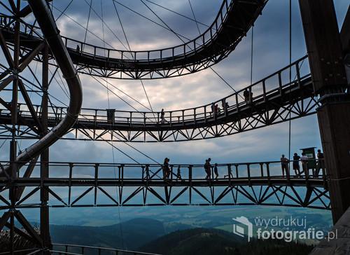 Ścieżka nad chmurami - specjalna trasa turystyczna w miejscowości Dolni Morava (Czechy)