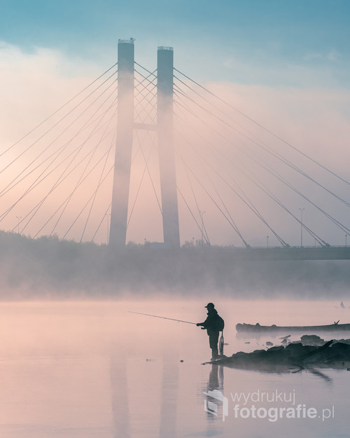 Fotografia zrobiona pewnego wiosennego poranka nad Wisłą, w Warszawie.