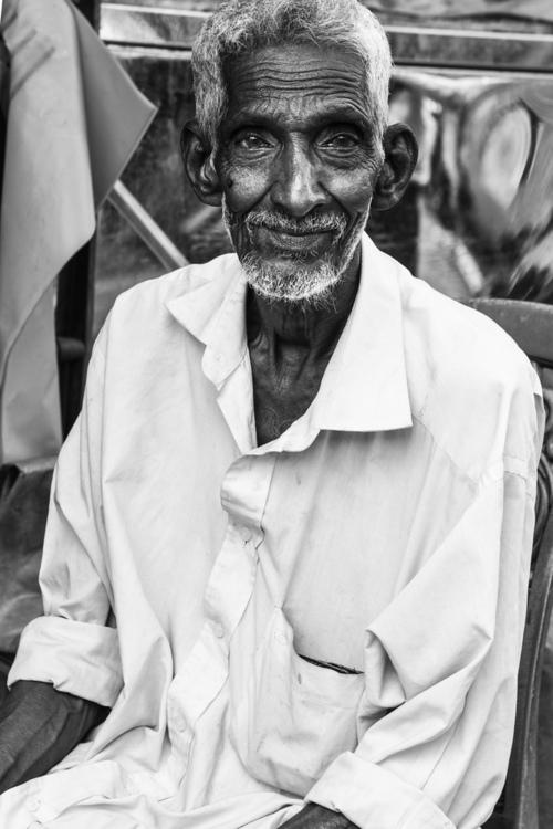 Portret sklepikarza. Colombo, Sri Lanka