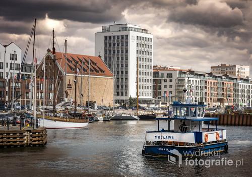 Gdańska Marina przed burzą