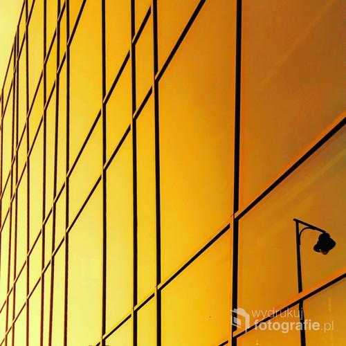 Zdjęcie przedstawia miejski minimalizm