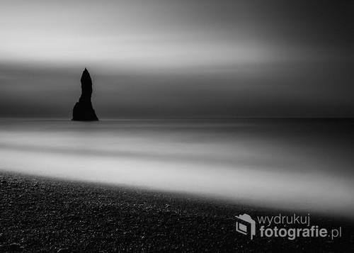 Cudowna i magiczna plaża Vik. Islandia Południowa