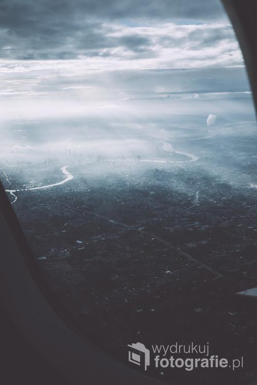 Tajlandia, widok na Bangkok z samolotu.