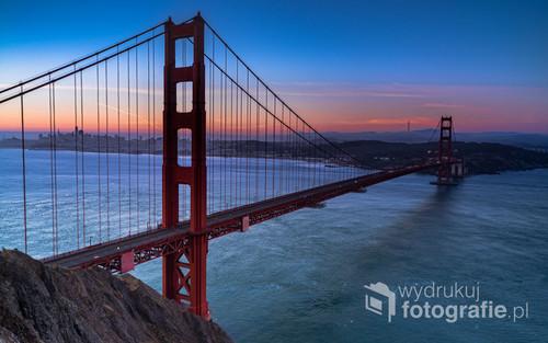 Letni poranek z widokiem na Golden Bridge, zdjęcie wykonane w lipcu 2019 roku
