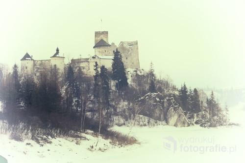 Zamek Niedzicki zimą