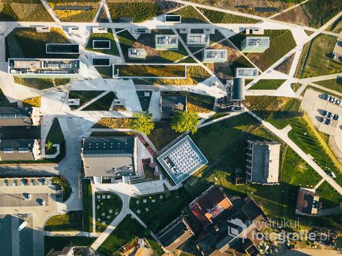 Katowice Muzeum Śląskie /Uporządkowana złożoność.  Kolekcja: Lato 2018