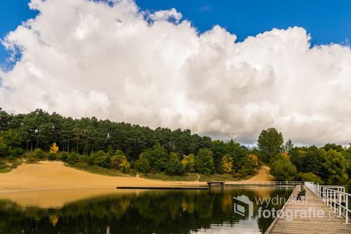 Jezioro Sajmino (powszechnie nazywane Kajkowskim) w jesiennym wydaniu.