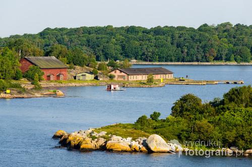 Wybrzeże szwedzkiego miasta Karlskrona leżącego nad Morzem Bałtyckim.
