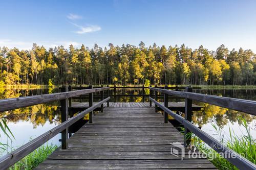 Niewielkie jezioro położone w środku lasu niedaleko Ostródy.