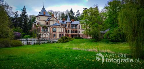 Oficyna pałacowa Gołuchowie, widok od strony parku