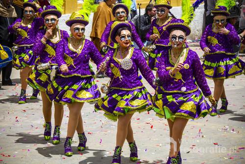 Tancerki podczas parady w trakcie Festiwalu Diablada w Boliwijskim mieście Oruro.