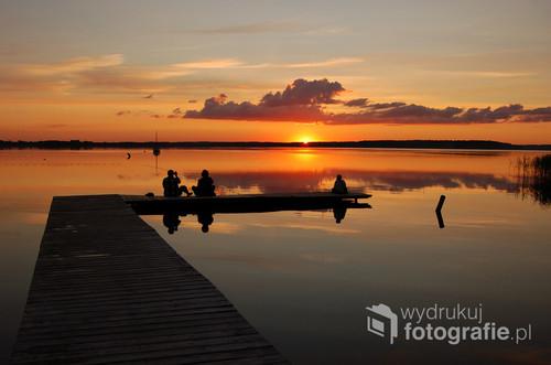zachód słońca nad jeziorem Łaśmiady