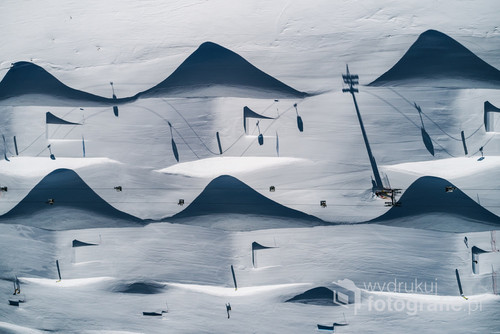 GRAND PRIX 15 edycji Wielkiego Konkursu Forograficznego National Geographic Polska. Odkąd fotografuje dronem uwielbiam perspektywę