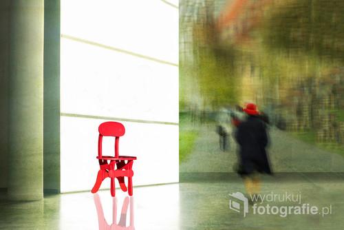 Zdjęcie zostało wykonane techniką kreatywną poprzez nakładanie obrazów. Fotografia została wyróżniona ZD (Zdjęcie Dnia) na Portalu Fotograficznym Fotoferia.pl.