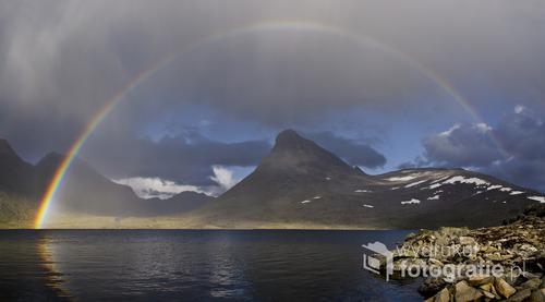 Jezioro Leirvatnet, góry Jotunheimen, Norwegia, sierpień 2014
