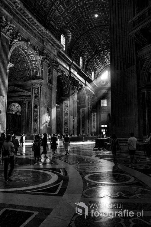 Bazyliki św. Piotra siódma rano poranne światło zastane