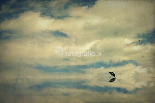 praca wykonana w programie graficznym przy wykorzystaniu fotografii nieba.