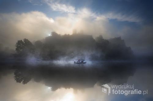 Wyjątkowy poranek w krakowskim Tyńcu nad Wisłą. Wczesna jesień.