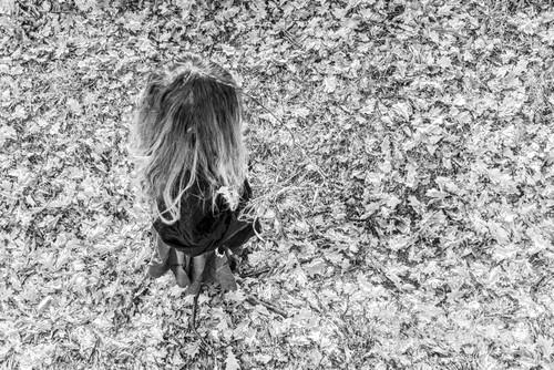 Jesień już odchodzi... Wraz z kolorami. Nadchodzi zima. Zdjęcie wykonane podczas kręcenia materiału o paleniu czarownic w ramach ogólnopolskiego projektu wraz z telewizją TVP Kultura i moimi uczniami.