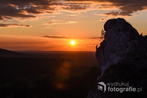 Wieczór w takim przepięknym miejscu, nie mógł zaowocować niczym innym niż fotografia z cudownie ciepłym światłem zachodzącego słońca.