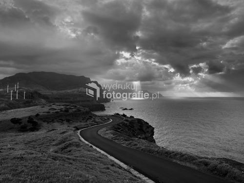 Portugalia / Madera - wschodni kraniec wyspy. Fotografia wykonana o zachodzie słońca.