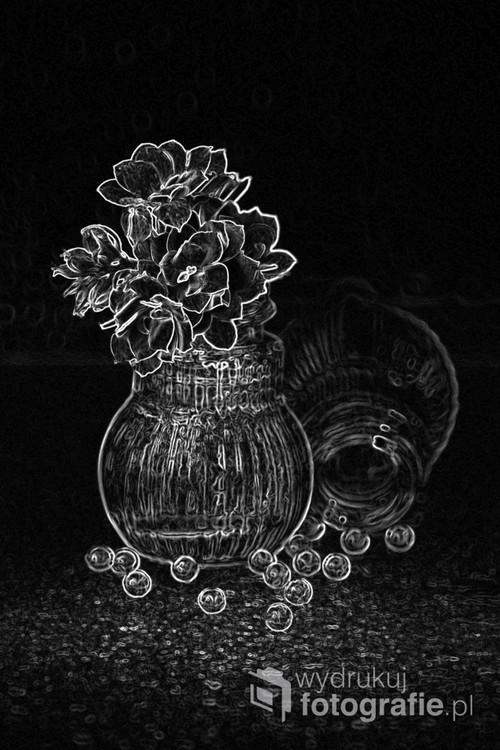 Martwa natura stworzona pod wpływem uroku maleńkich solniczek, które wykorzystałam do wykonania zdjęcia techniką makro.Zdjęcie zostało przetworzone.