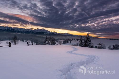 Jedno z piękniejszych miejsc na Podhalu z którego można podziwiać tatrzańskie szczyty.