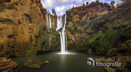 Ogromny ponad 100 metrowy wodospad znajdujący się w Maroko. Panorama