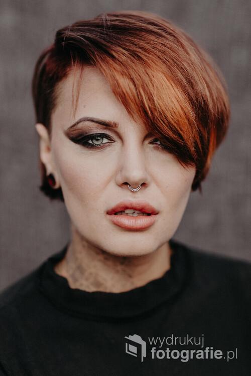 Eric Liyah Kane, to polska modelka, ktora od wielu lat mieszka w Wielkiej Brytanii. Swoje cialo ozdabia tatuazami.